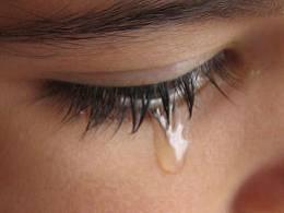 menangis dalam sholat